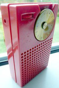 La radio a transistor Regency TR-1 (credit: Cmglee, CC BY-SA 3.0)