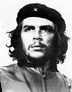 """La più celebre foto di Che Guevara, chiamata """"Guerrillero Heroico"""", fotografata da alberto Korda (credit: Pubblico Dominio)"""