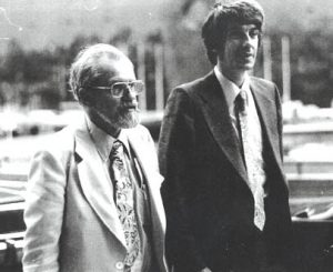Allen Hynek, a sinistra, insieme al collega Jacques Vallée, informatico, imprenditore e ufologo francese (credit: Pubblico Dominio)
