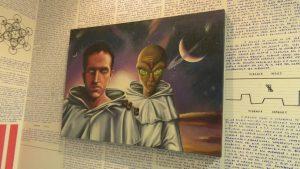 Borges e l'alieno, dipinto nella stanza di Bruno Borges